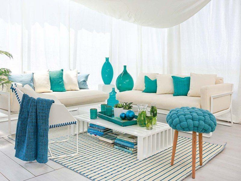 une idée pour la décoration avec des éléments bleu claire