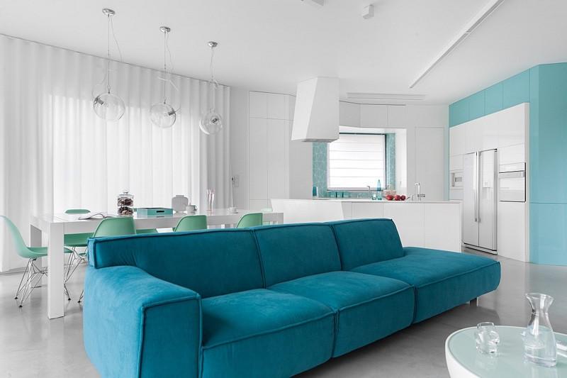 une idée pour la décoration une chambre avec du blanc et du bleu clair