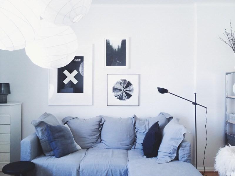 Une décoration de la chambre dans les tons bleu clair