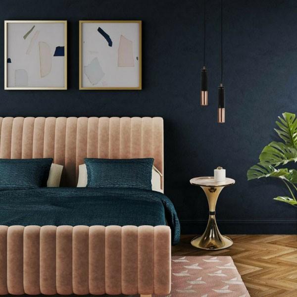 Une décoration de chambre pour adultes en bleu foncé