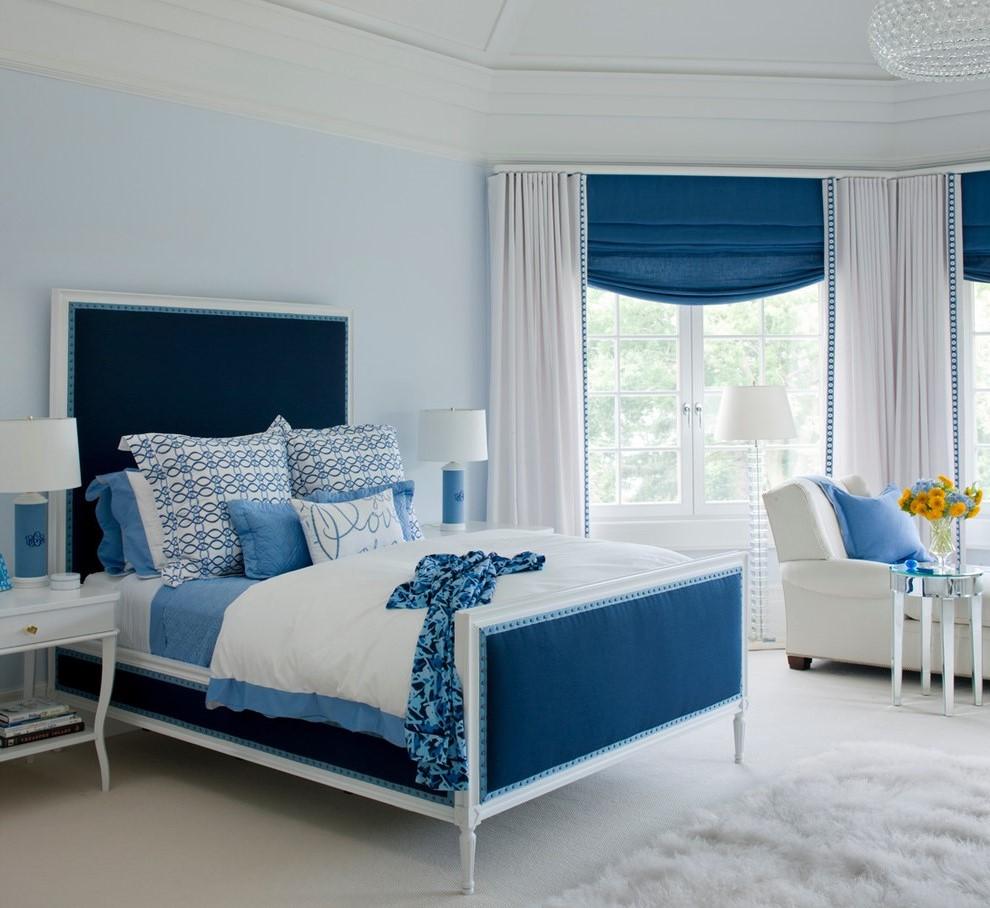 une idée pour la décoration une chambre à coucher en blanc et bleu