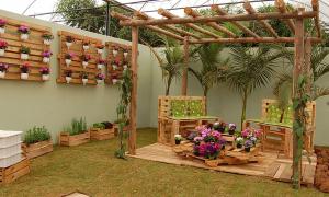Une idée avec des palettes dans le jardin