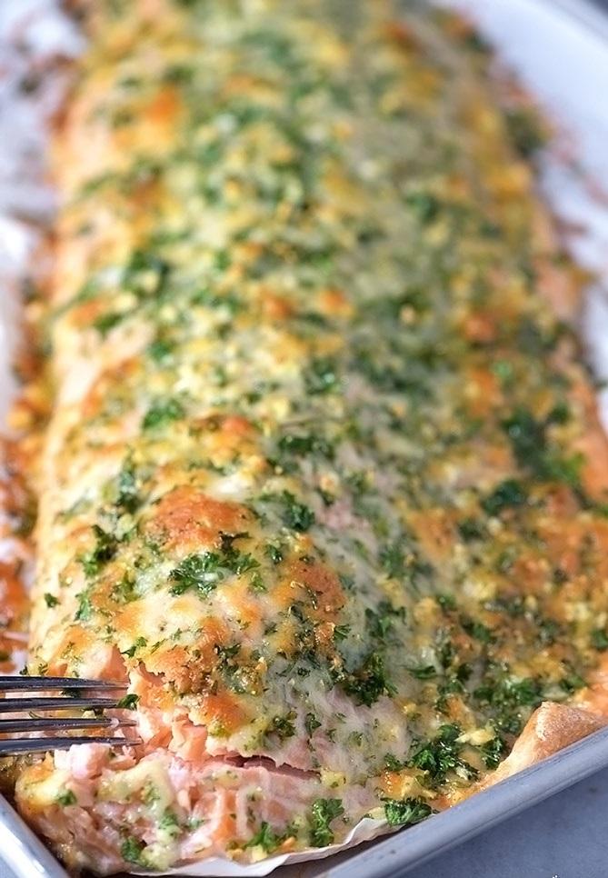 Saumon grillé en croûte d'épices- une recette facile à réaliser