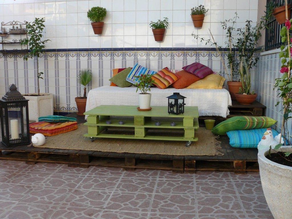 Une idée de canapé avec des palettes