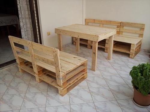 Idée de canapé et table avec des palettes