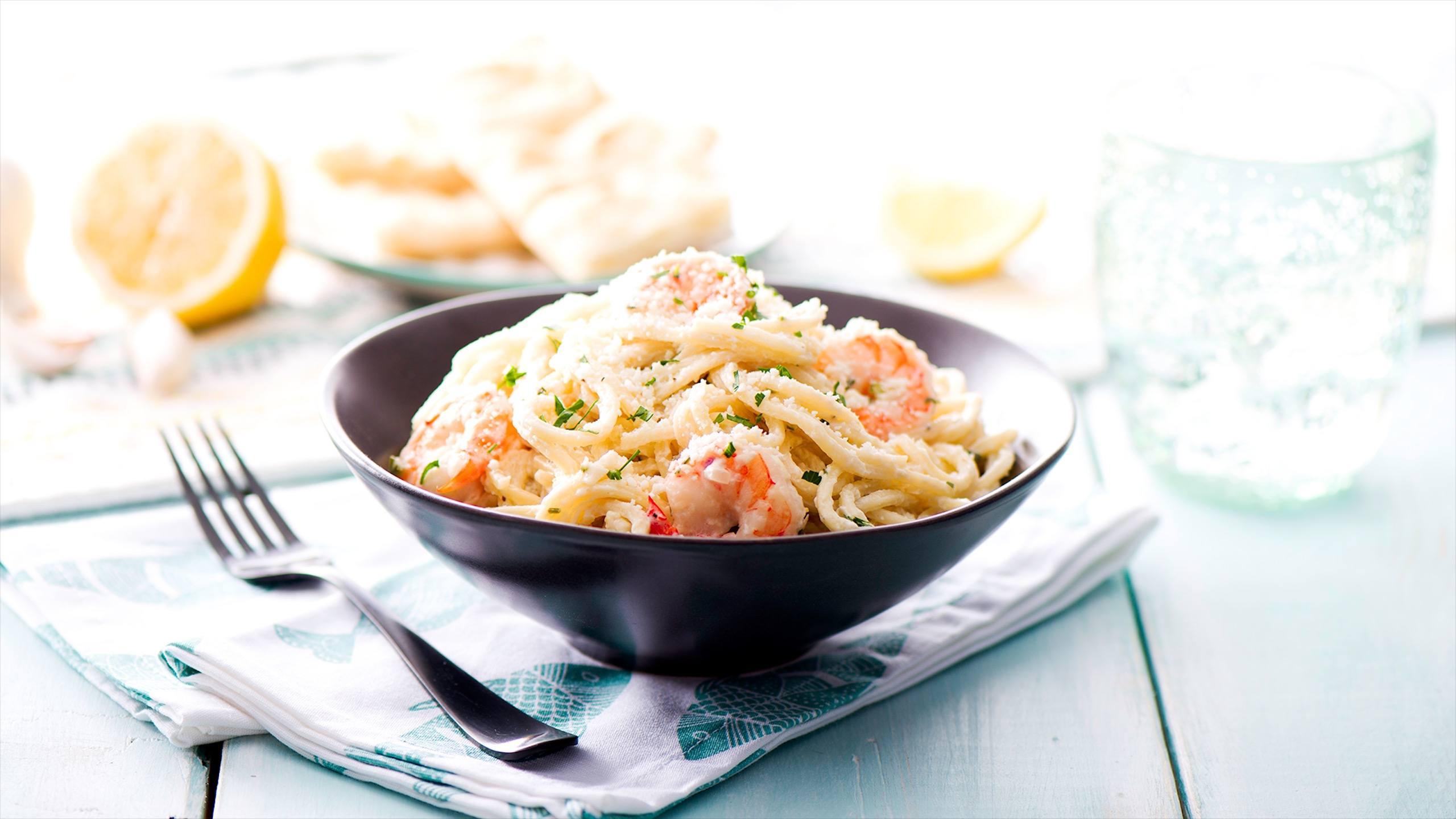 Pâtes aux crevettes et tomatеs - une idée de recette simple