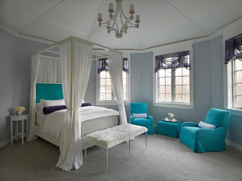Une belle idée pour une chambre de fille ado: le baldaquin.
