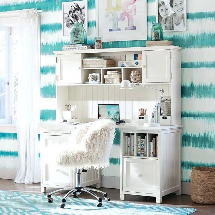 Idée déco pour une chambre d'ado - utilisez sa couleur préférée.