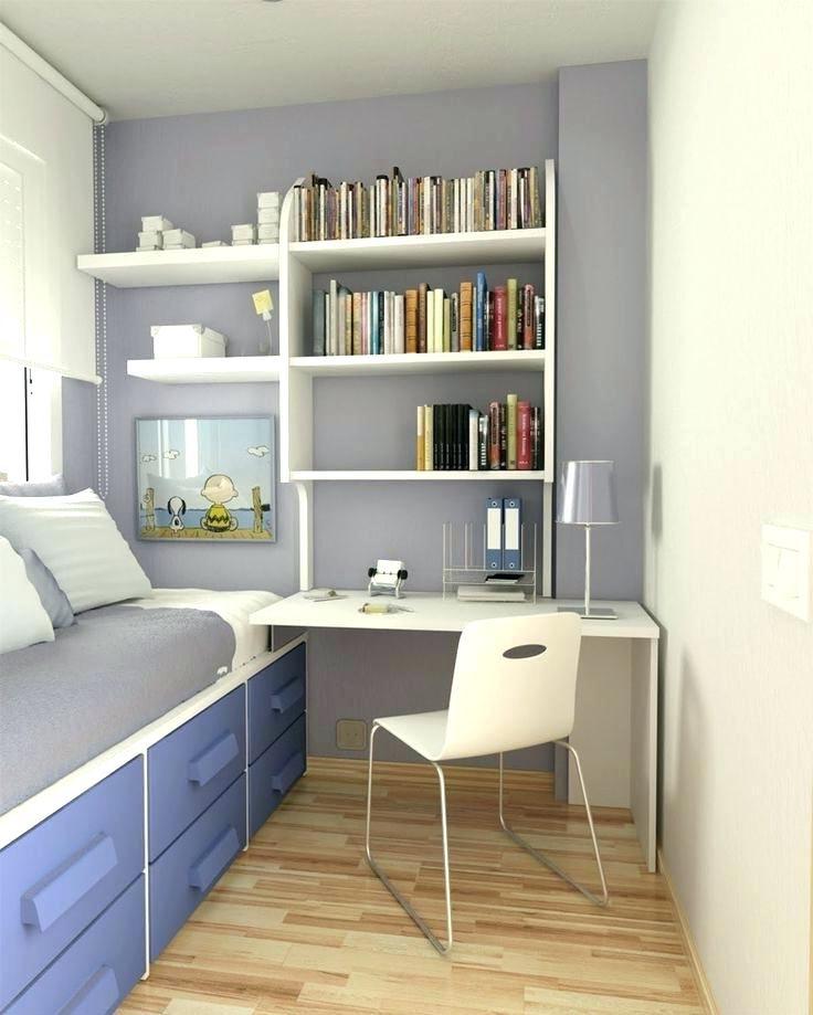 Le bleu et le blanc conviendront parfaitement à la chambre d'un garçon.