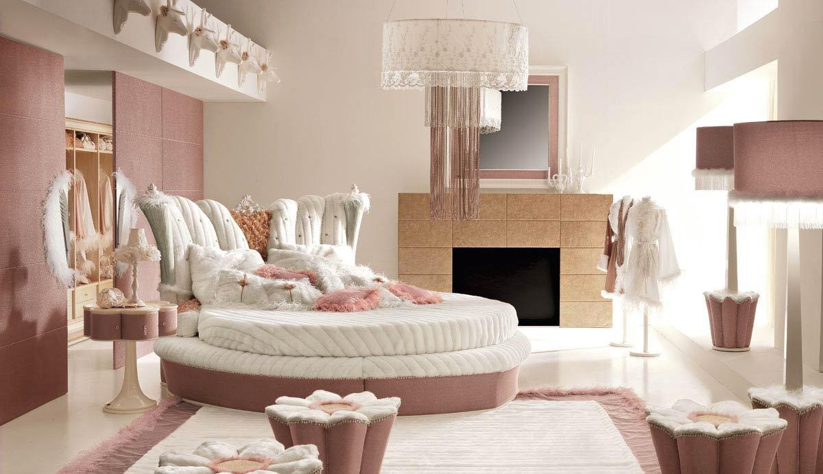 Votre adolescente se sentira comme une princesse dans ce lit.