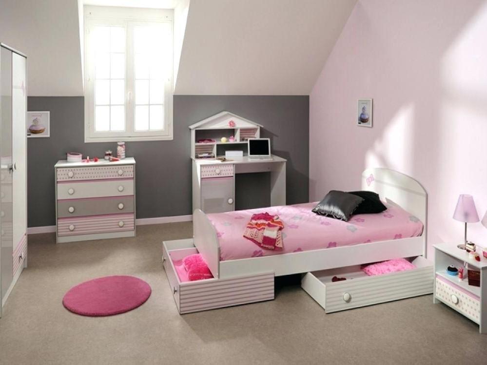 Un design simple, pour ceux qui n'aiment pas avoir trop de choses dans leur chambre.