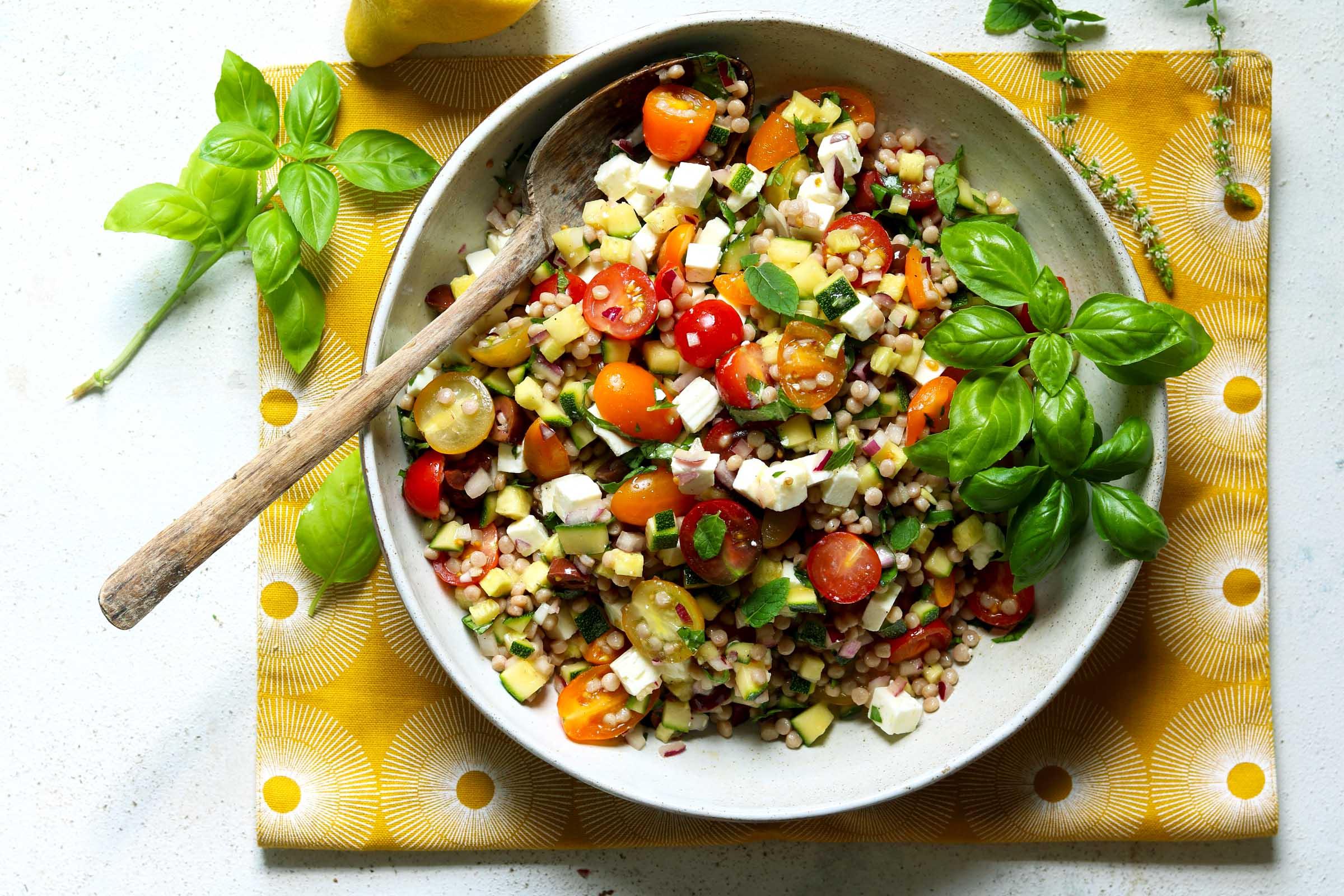 Couscous au pesto de roquette -une salade différente qui remplace le diner classique