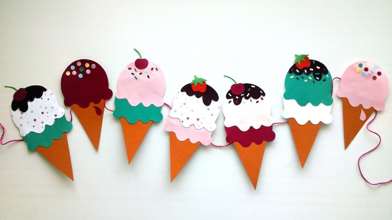 77/5000 Utilisez différentes textures, couleurs et décorations pour créer une belle guirlande.