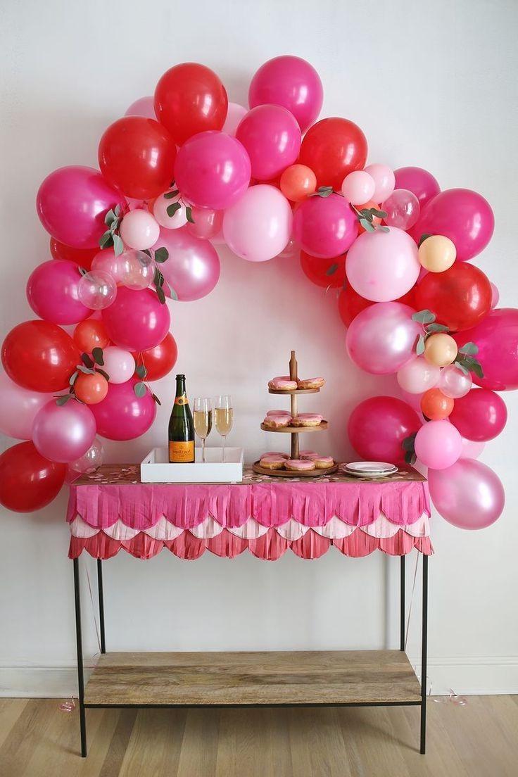 Si vous célébrez un événement spécial, comme le 30e anniversaire de votre meilleure amie, n'oubliez pas le champagne!