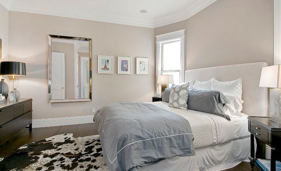 La rose poudré est la couleur la plus appropriée pour décorer une chambre dans un style romantique