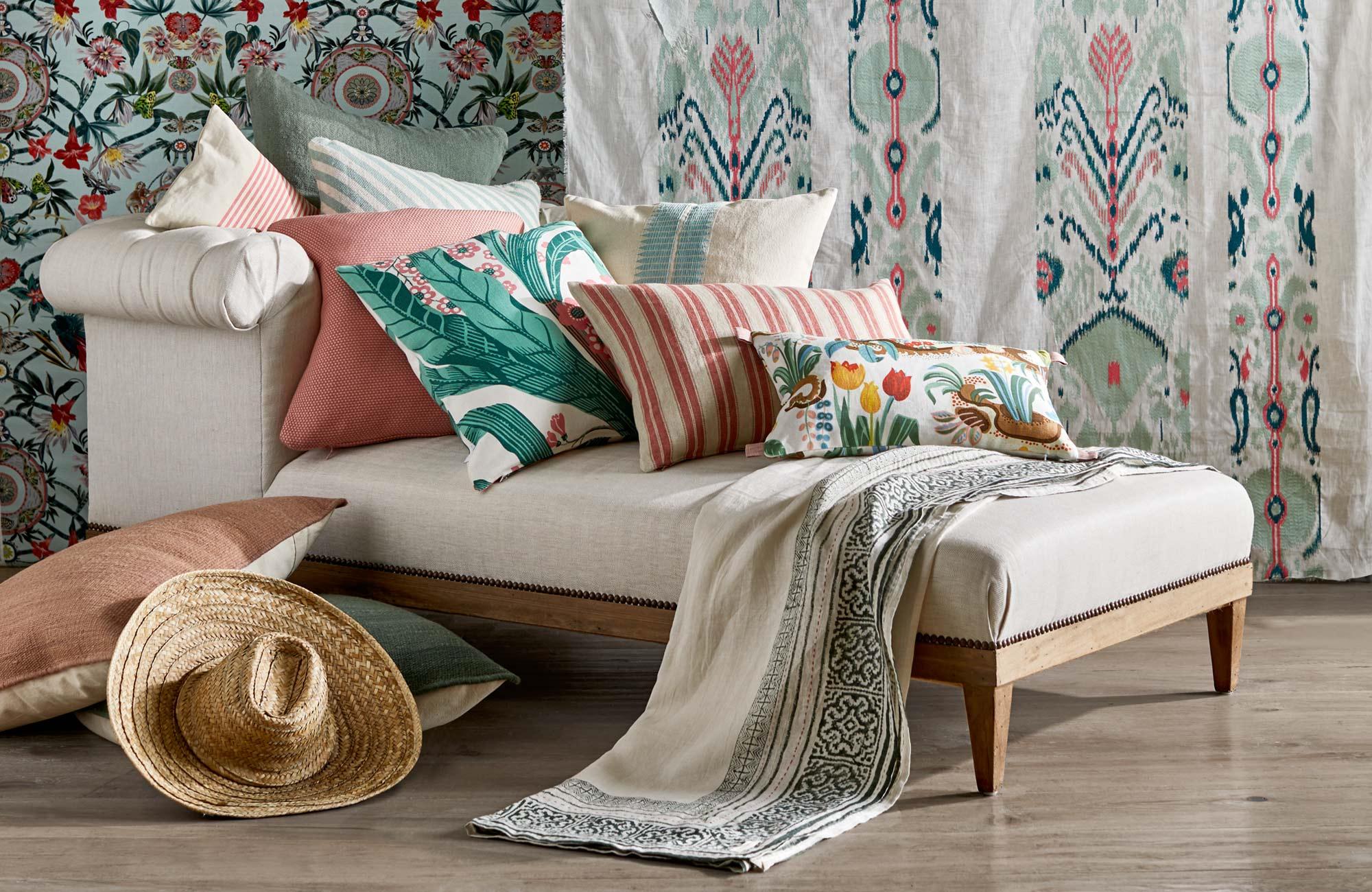 Accueillez le printemps avec des textiles frais aux motifs floraux