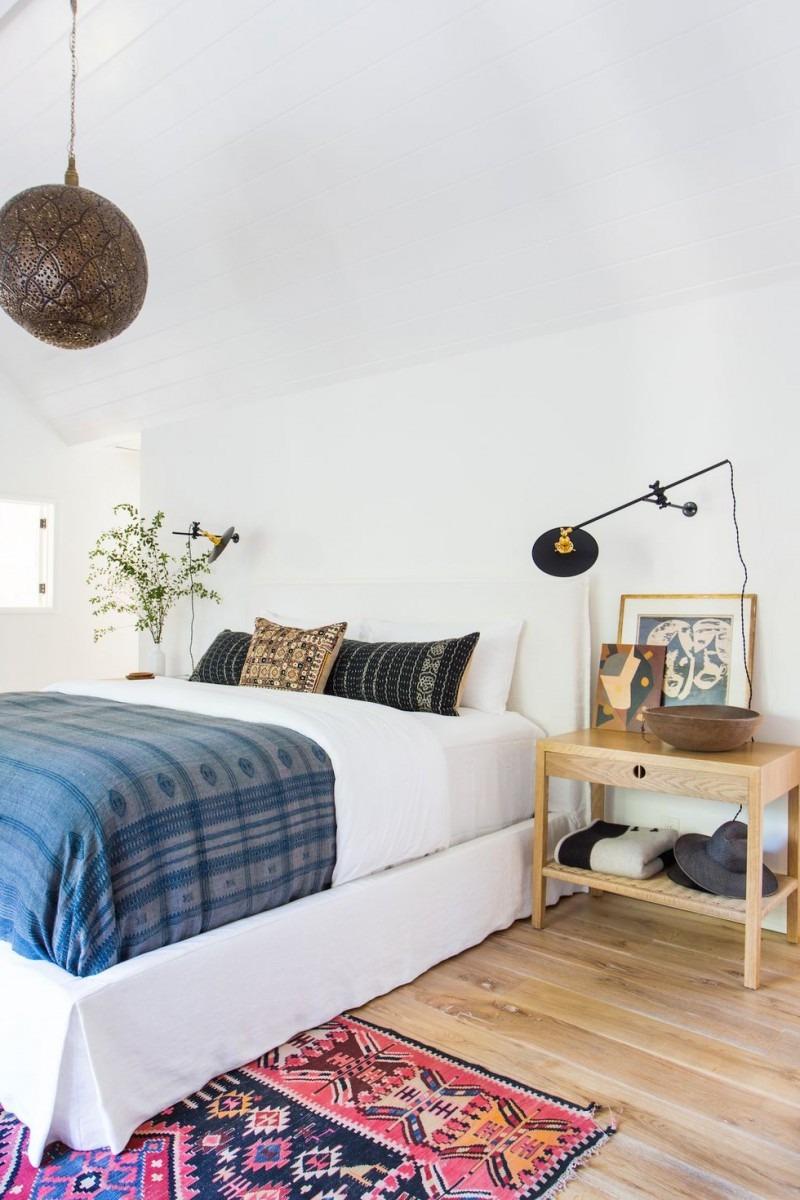 Le tapis à motifs colorés vous fera sourire chaque fois que vous entrez dans la pièce.