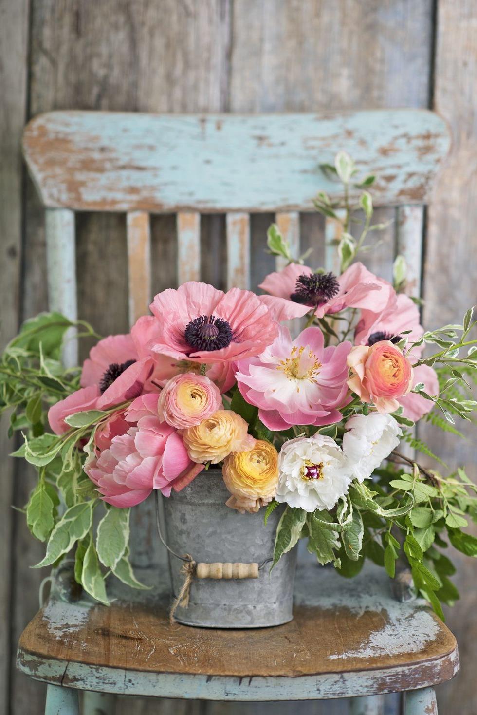 Les fleurs sont une belle décoration pour chaque fête d'anniversaire et ne coûtent pas trop cher.