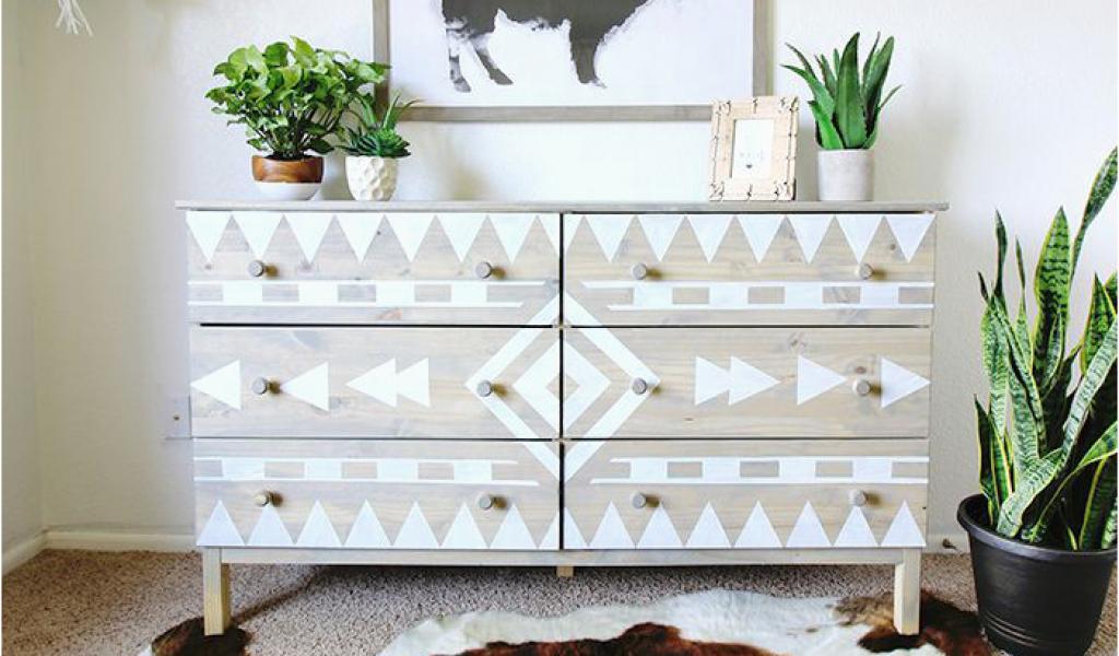 Projet DIY pour votre chambre - décorer votre commode avec des motifs graphiques.