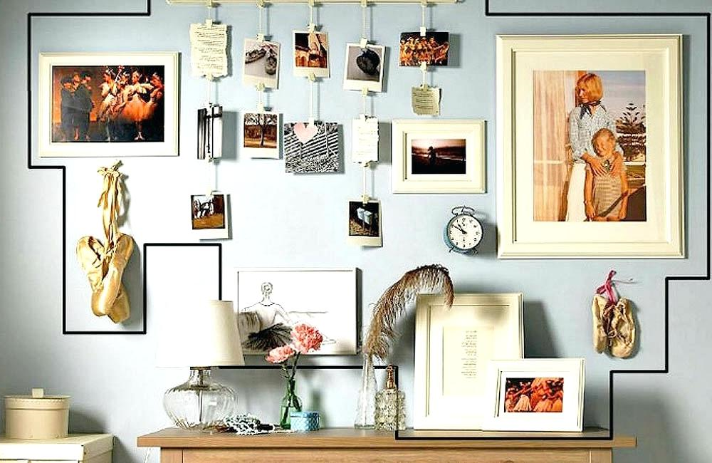 Pour rafraîchir votre mur, vous pouvez ajouter des photos et accrocher des décorations de styles différents.