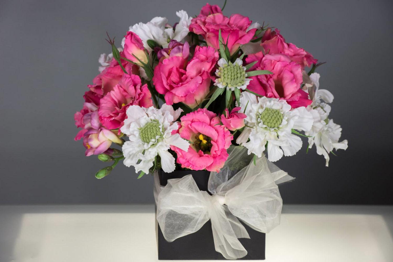 Les fleurs sont une idée super cadeau 80 ans grand mère