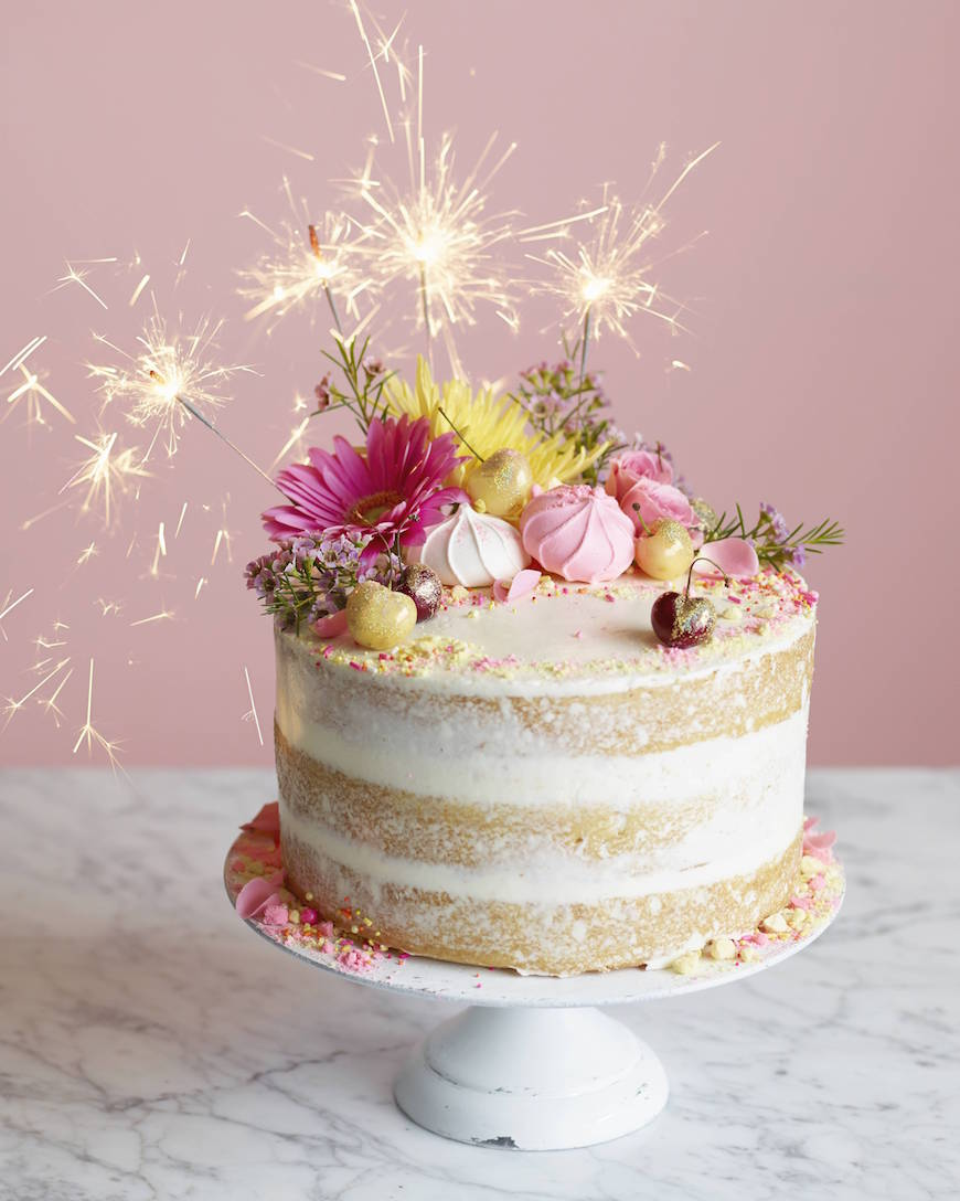 Le gâteau est la partie préférée de chaque anniversaire.
