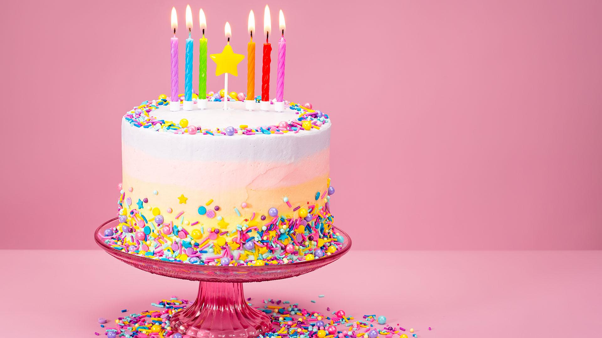 C'est une idée originale cadeau grand mère 80 ans à faire votre gâteau d'anniversaire vous-même