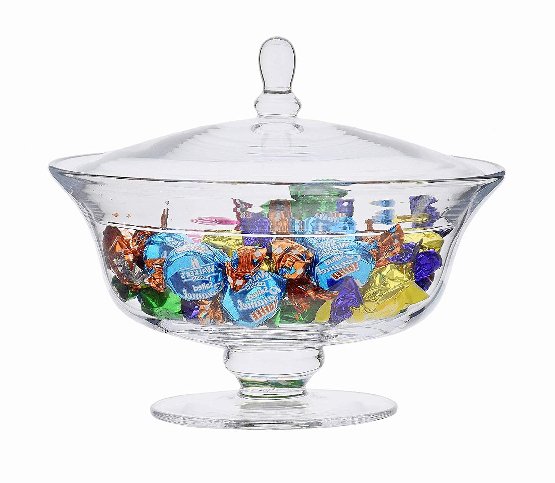 D'autre idée cadeau pour grand mère 80 ans-un pot de bonbons avec ses bonbons favoris