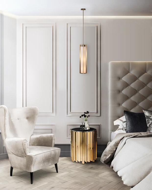 Les luminaires composés de différents matériaux comme le verre, le bambou, les fibres textiles vous permettent de donner une allure originale à votre chambre adulte.