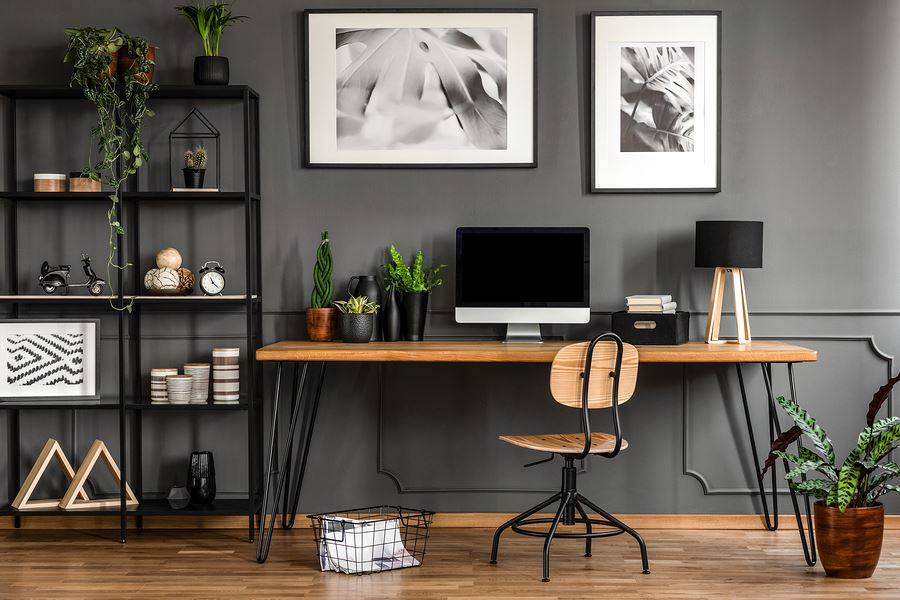 Idée déco facile pour votre bureau - use plants. Aussi, ils vont améliorer votre humeur.