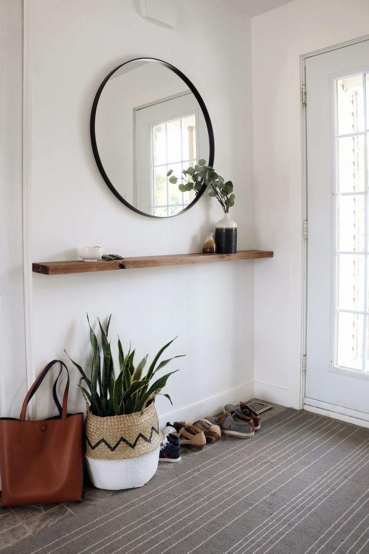 Une autre idée déco pas chère - au lieu d'un pot de fleurs, utilisez un panier.