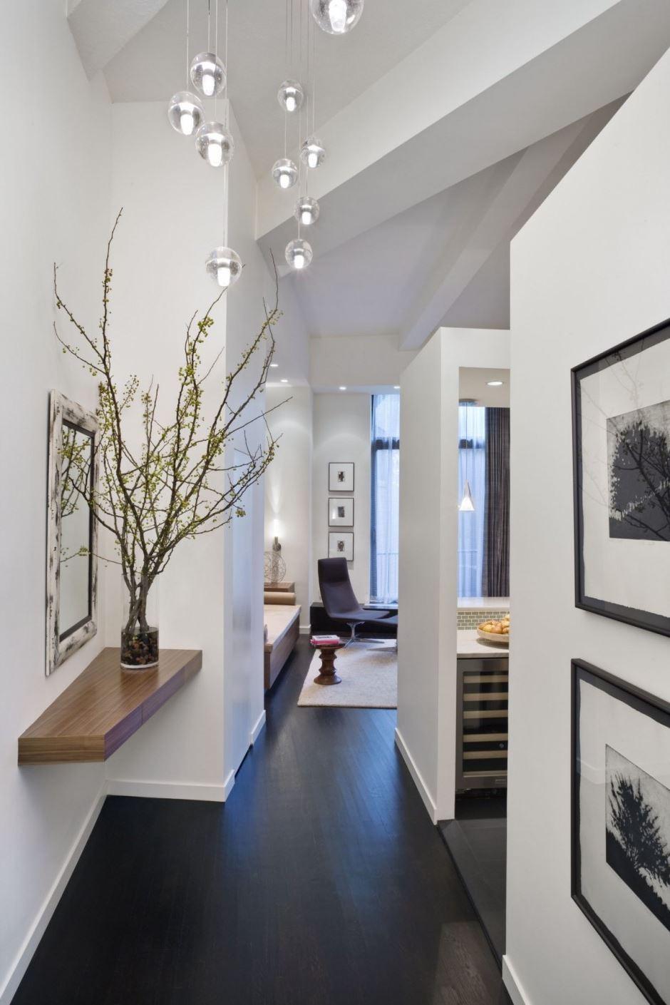 Pour créer un look plus élégant, choisissez des œuvres d'art pour la décoration de votre maison.