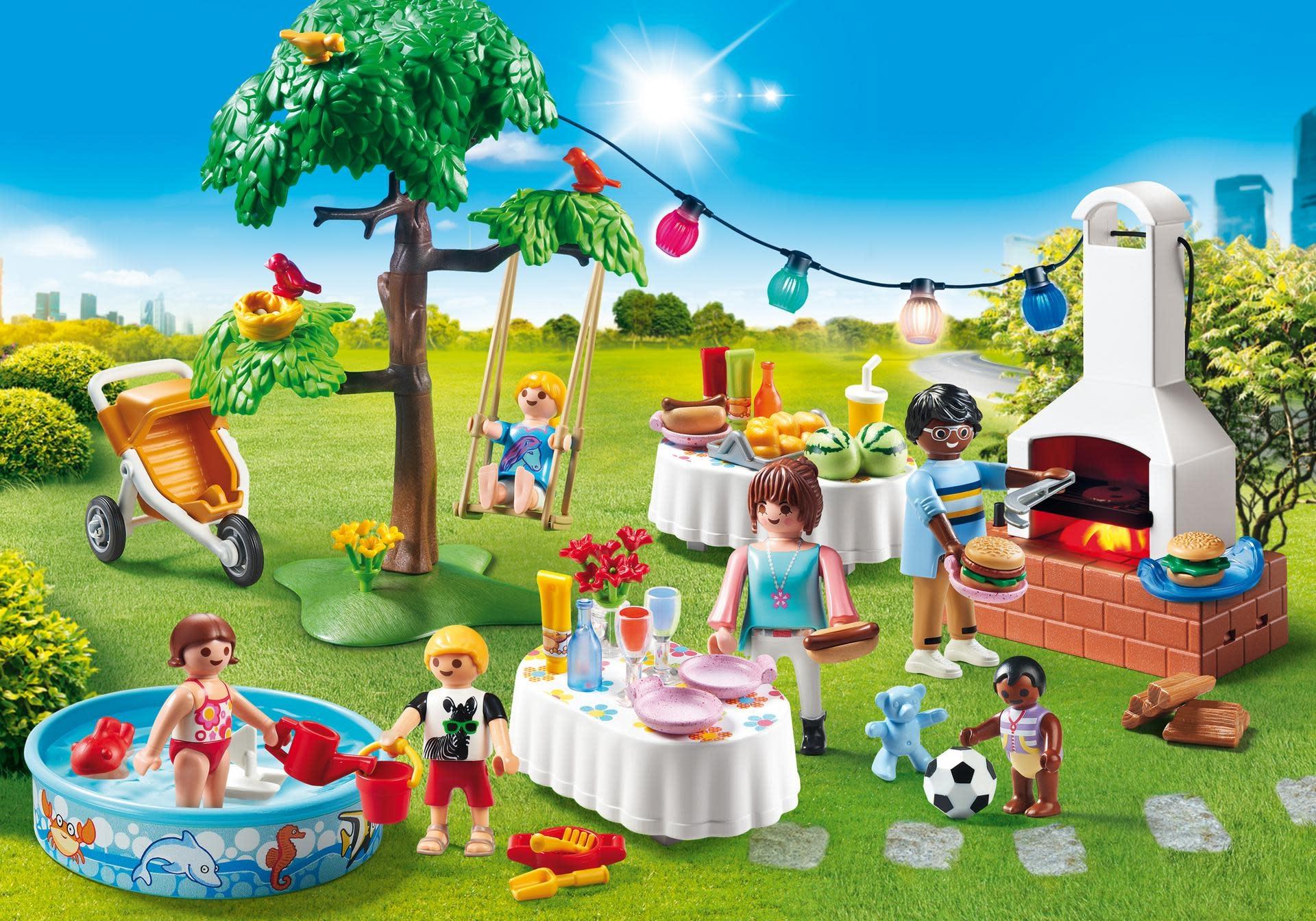 Maison moderne playmobil- une fête dans le jardin.