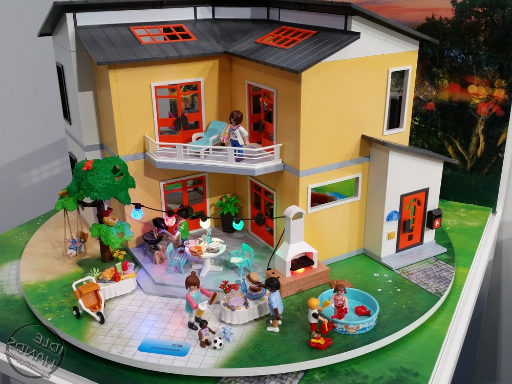 Maison moderne playmobil- une belle journée dans la maison.