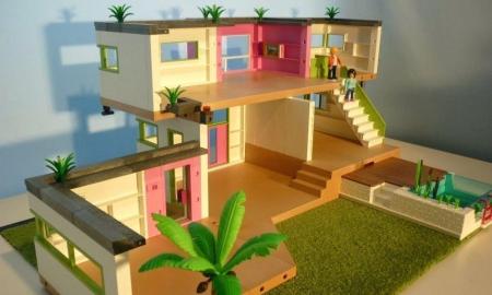 Maison moderne playmobil modèle 5574 est une maison spacieuse et luxueuse.