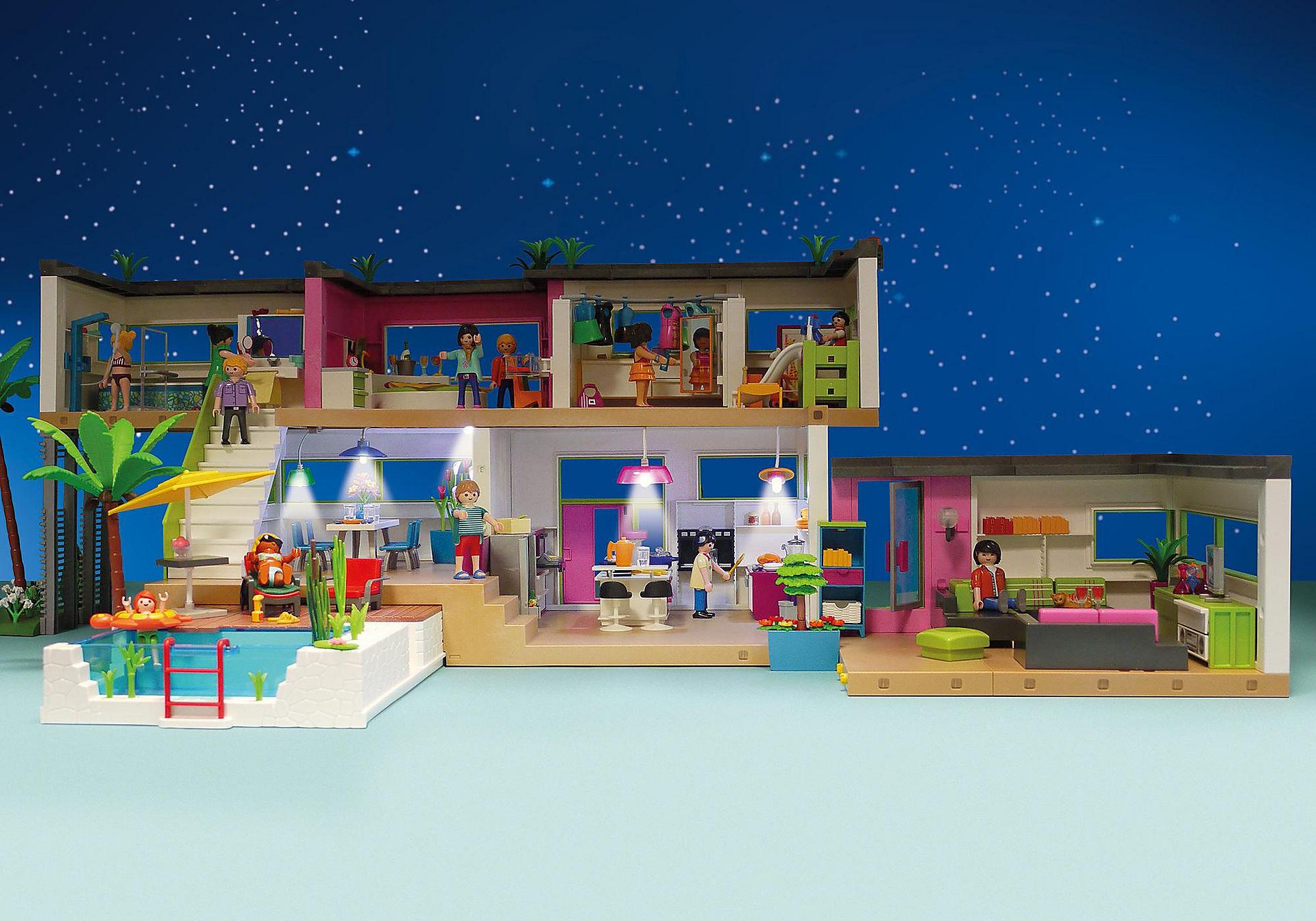 Maison moderne playmobil- la maison pendant la nuit.