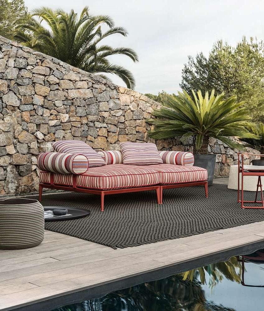 Le design des meubles dépend de la taille de votre jardin.