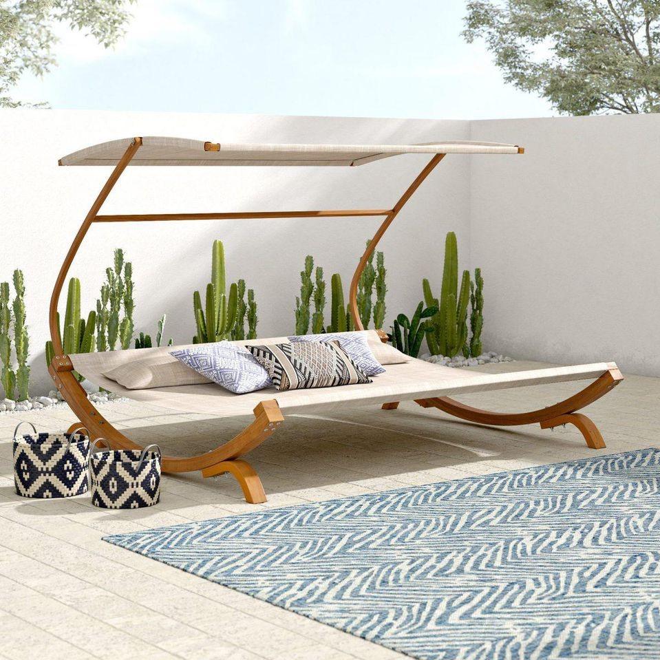 Ce mobilier de jardin au design moderne surprendra tous vos invités.