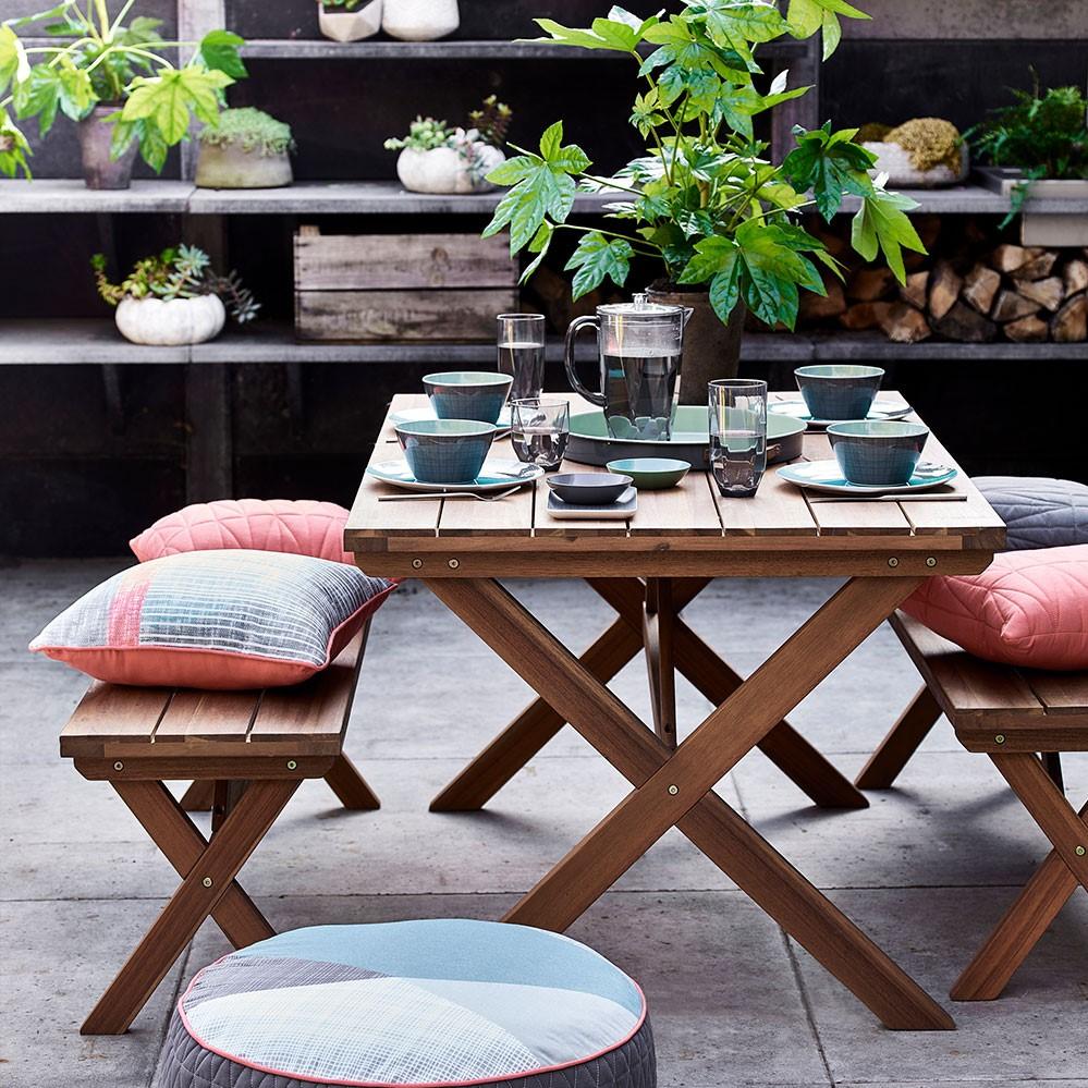 Conseil - ajoutez des coussins pour rendre le banc plus confortable.