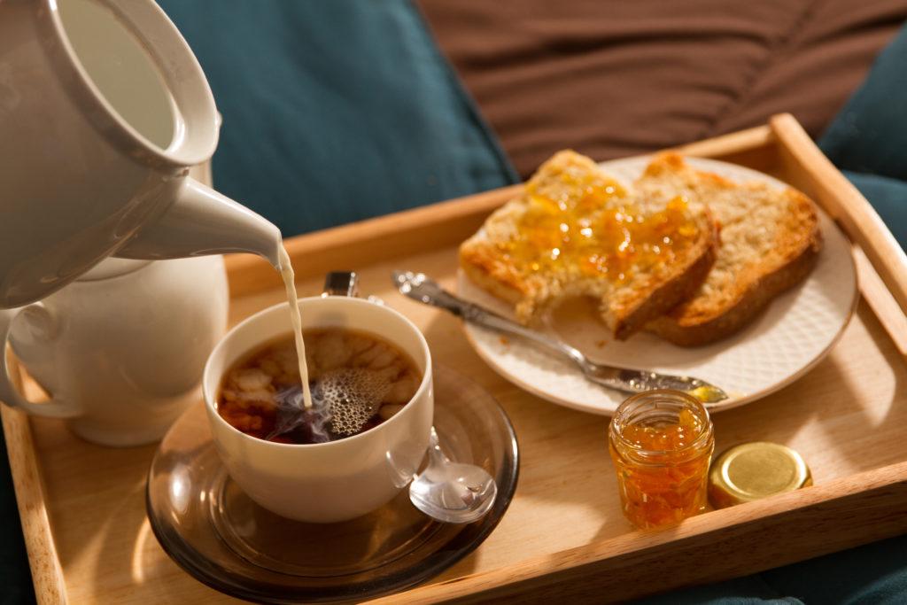 Le troisième jour, vous pouvez manger une tranche de pain avec votre petit-déjeuner.