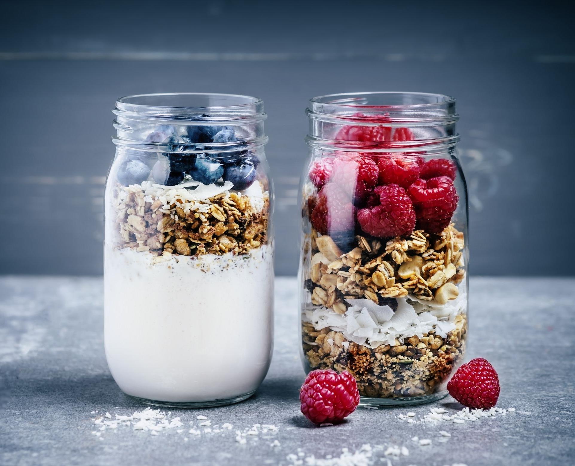 Certains types de yaourt contiennent des bactéries vivantes ou des probiotiques. Ceux-ci peuvent être bénéfiques pour la santé digestive lorsque vous les consommez.