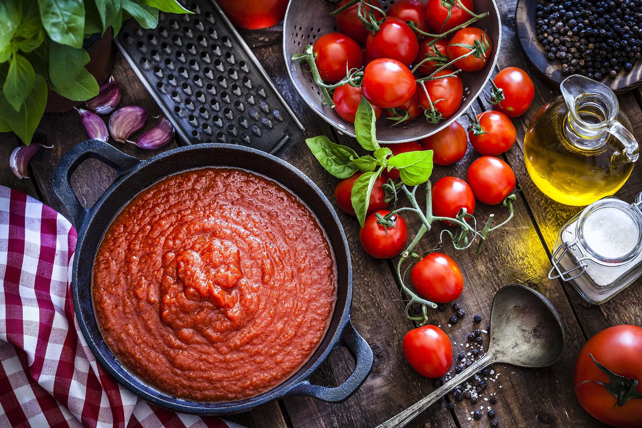 Sauce aux tomates cerises - une recette universelle