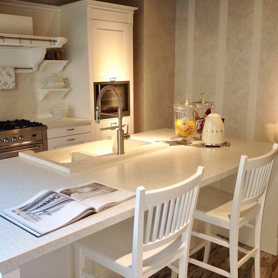 Une cuisine bien organisée et fonctionnelle bien organisée