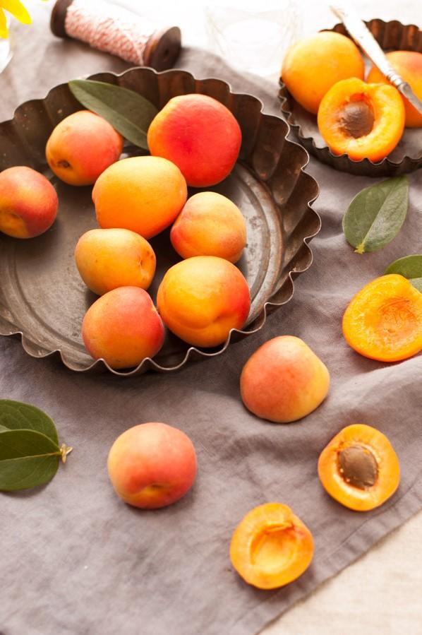 L'abricot est un fruit incroyablement délicieux. Chaque abricot contient peu de glucides mais beaucoup de vitamine C et de potassium.