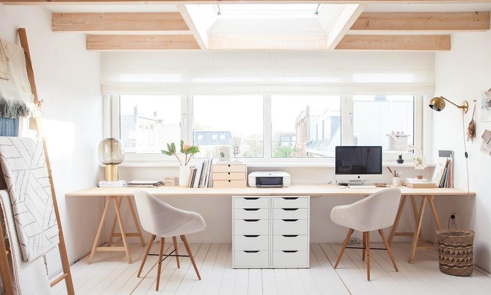 Découvrez comment créer dans votre bureau à domicile une atmosphère stimulant la productivité.