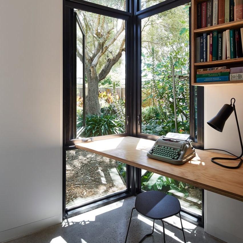 Gardez dans votre bureau à domicile tout ce dont vous avez besoin pour travailler.