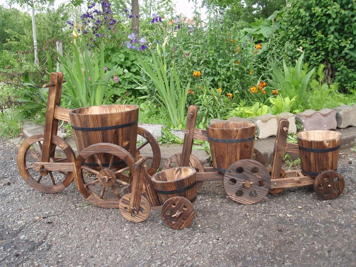 Déco d'un jardin à roues en bois