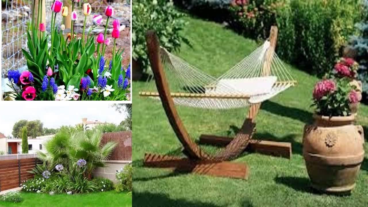 Idée de déco de jardin avec des fleurs et une balançoire