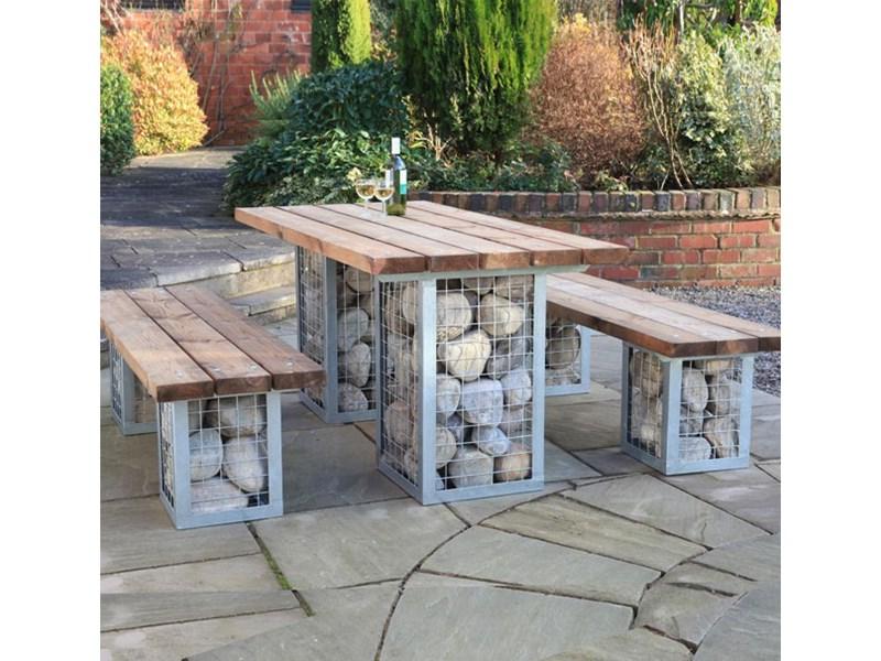 Idée pour la déco de meubles de jardin en bois et en pierre