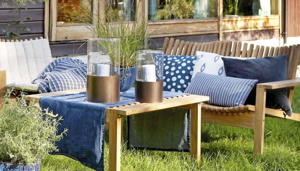 Idée de déco de jardin d'été en bleu